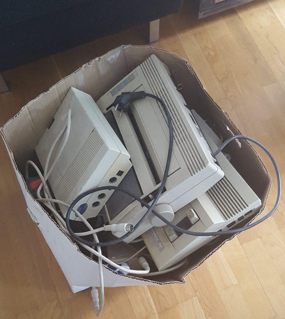 Commodore 64 box